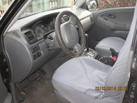 Picture of 2000 Chevrolet Tracker Base 4WD, interior