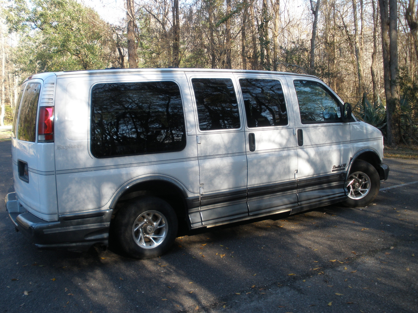 Picture of 2000 GMC Savana G1500 Passenger Van