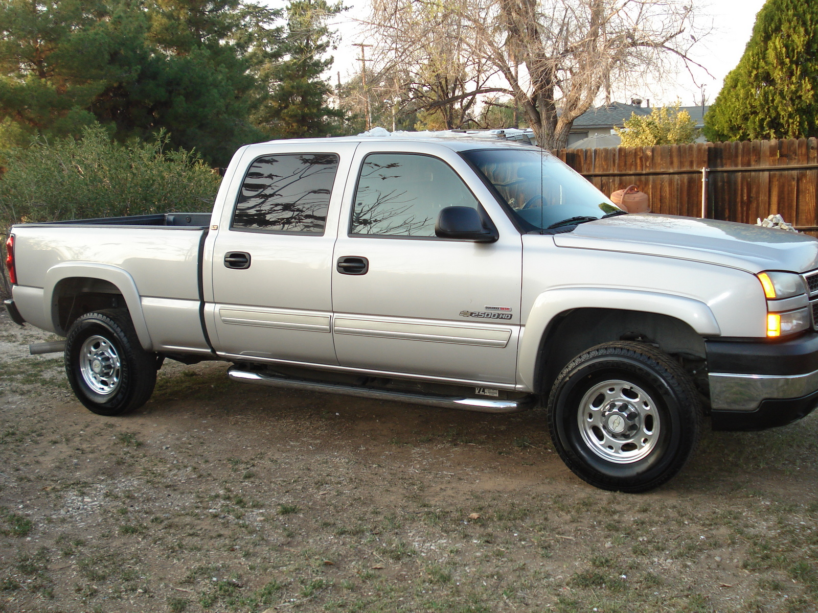 picture of 2006 chevrolet silverado 2500hd lt2 4dr crew cab sb. Cars Review. Best American Auto & Cars Review