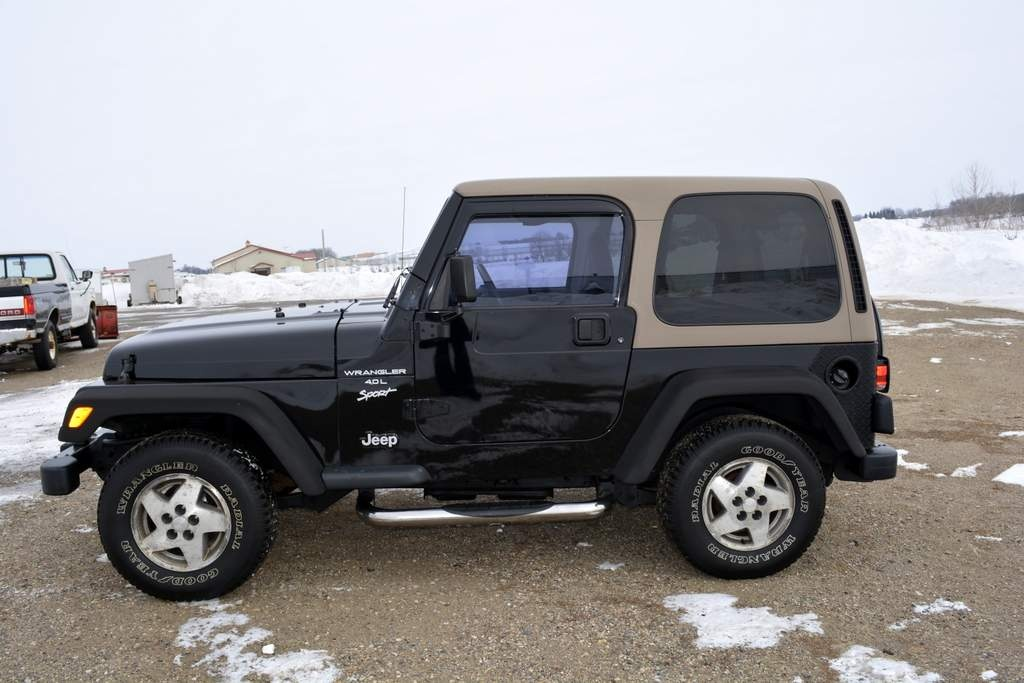 used 2003 jeep liberty for sale pricing features edmunds. Black Bedroom Furniture Sets. Home Design Ideas
