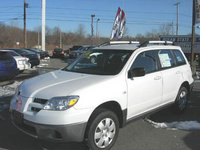 Picture of 2006 Mitsubishi Outlander LS, exterior