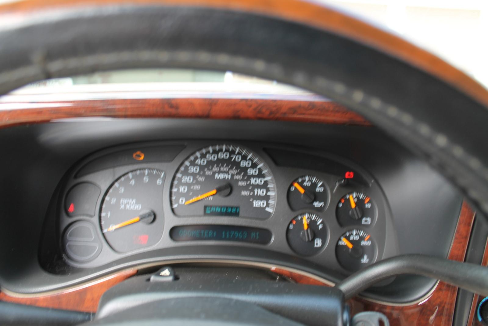 Picture of 2004 GMC Yukon XL 4 Dr 1500 SLE SUV, interior