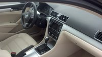 Picture of 2012 Volkswagen Passat SE PZEV w/ Sunroof, interior