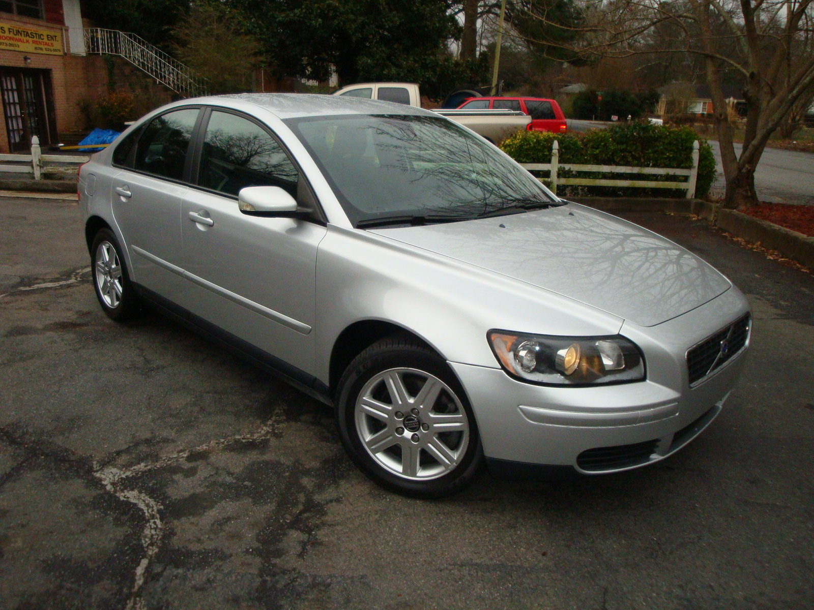 Volvo S40 Sedan Joins V50 Wagon in U.S.-Cancellation-Ville | Car and