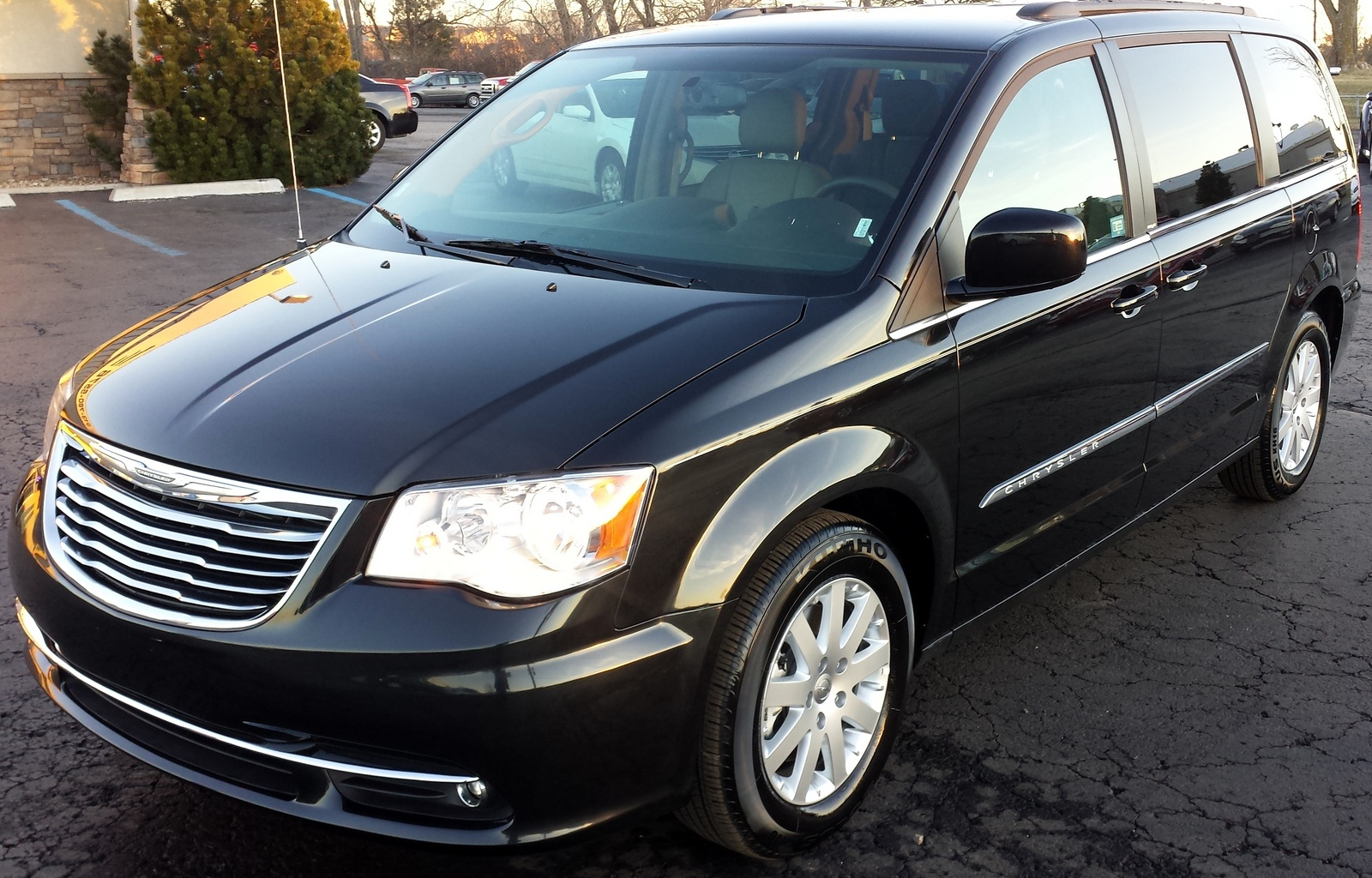 picture of 2014 chrysler town country touring exterior. Cars Review. Best American Auto & Cars Review