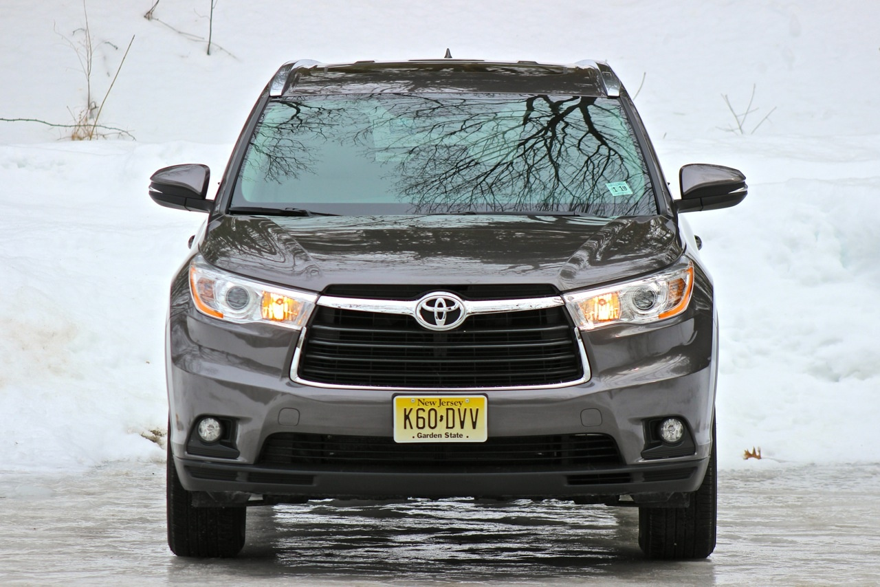 Front of the 2014 Toyota Highlander