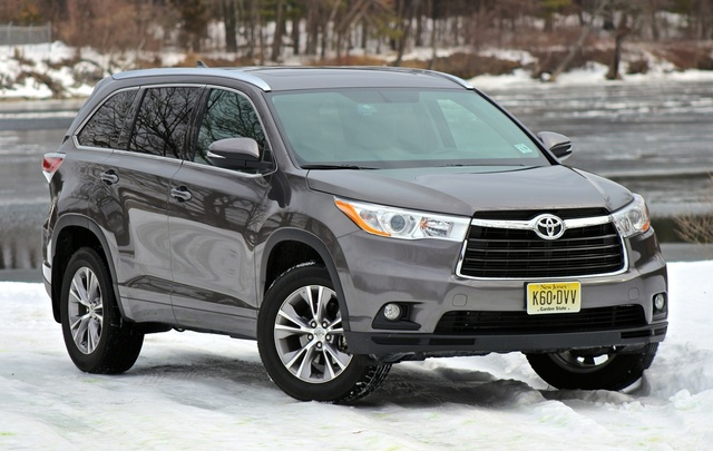 2014 Toyota Highlander XLE AWD, Front 3/4 of the 2014 Toyota Highlander, exterior