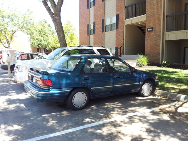 Picture of 1993 Mercury Tracer 4 Dr LTS Sedan