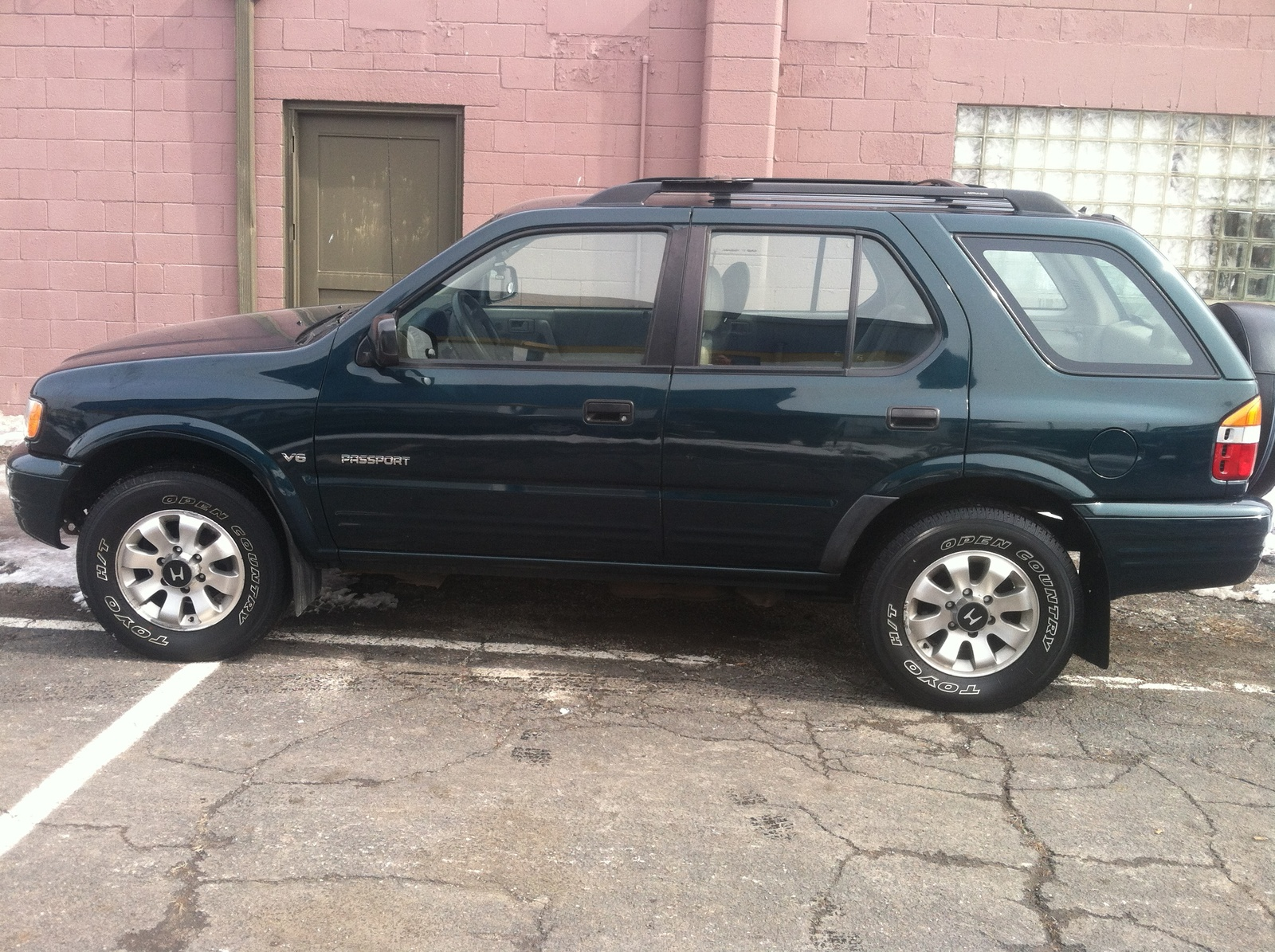 Picture of 2002 Honda Passport 4 Dr LX 4WD SUV