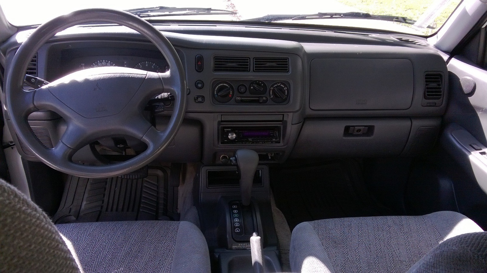 2003 mitsubishi montero interior mitsubishi montero sport for Mitsubishi montero interior