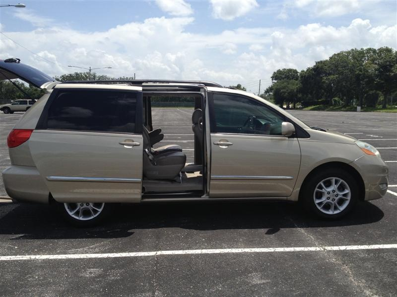picture of 2006 toyota sienna xle limited exterior interior. Black Bedroom Furniture Sets. Home Design Ideas