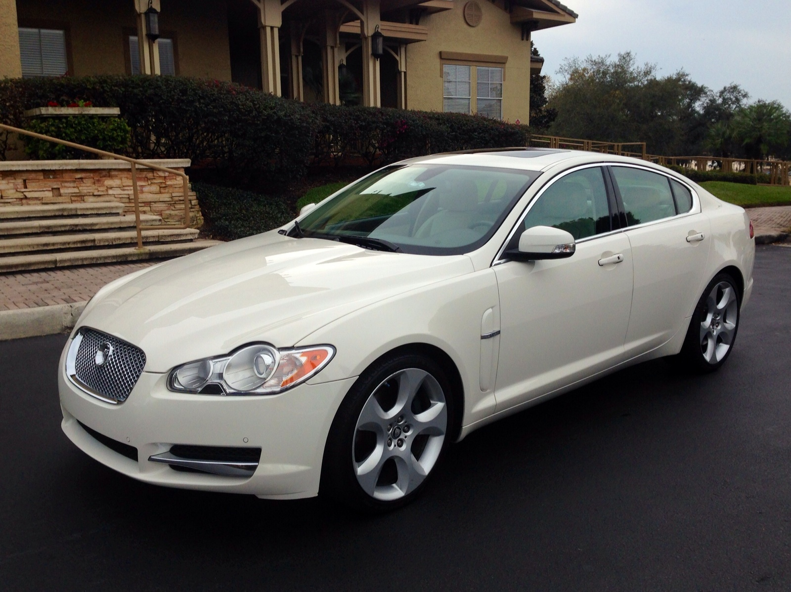 service manual 2009 jaguar xf removal service manual 2009 jaguar xf door removal service. Black Bedroom Furniture Sets. Home Design Ideas
