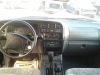 Picture of 2002 Isuzu Trooper 4 Dr LS 4WD SUV, interior