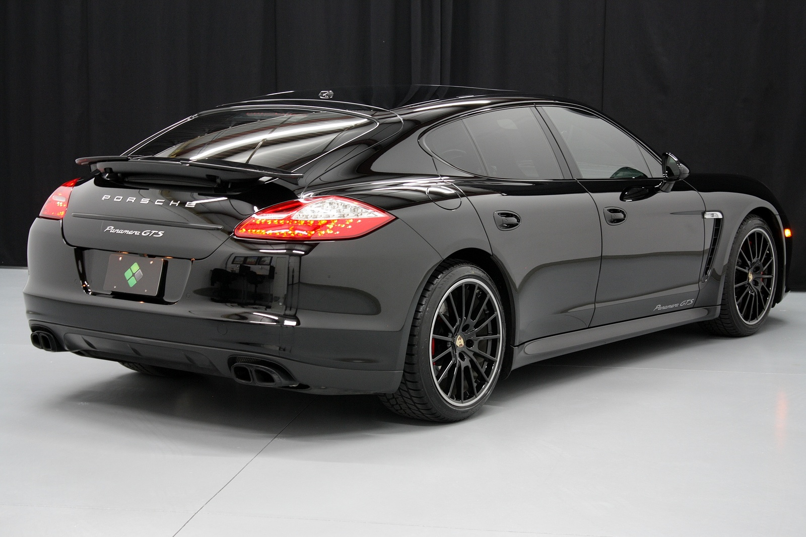 2013 porsche panamera hybrid models specs price trims. Black Bedroom Furniture Sets. Home Design Ideas