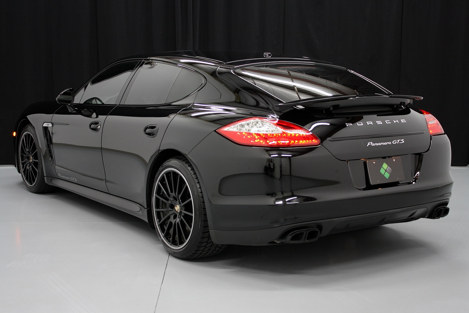 2013 porsche panamera turbo the image. Black Bedroom Furniture Sets. Home Design Ideas