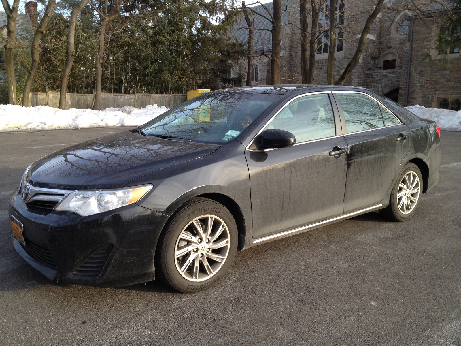 2014 toyota camry se v6 price specs compare cars by holidays oo. Black Bedroom Furniture Sets. Home Design Ideas