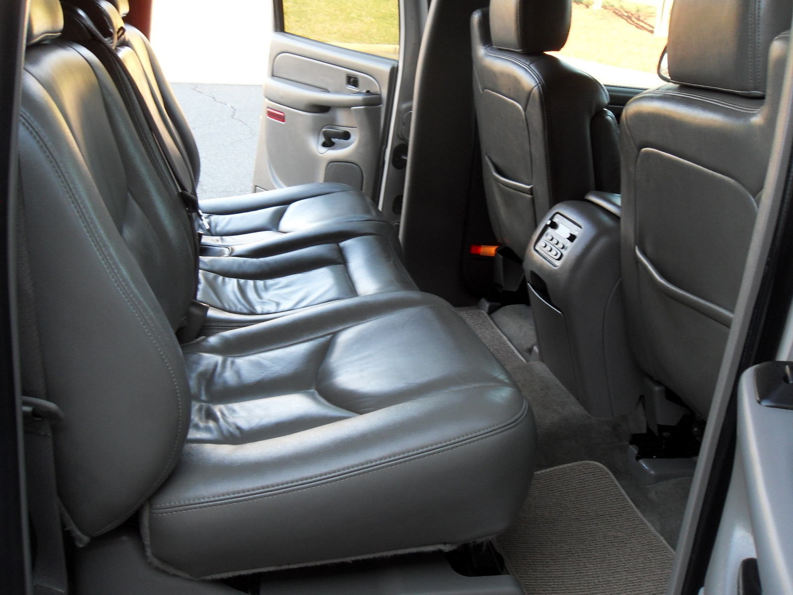 Chevy Suburban 2500 2006 Interior Trim