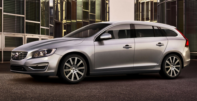 2015 Volvo V60, Front-quarter view, exterior, manufacturer, gallery_worthy