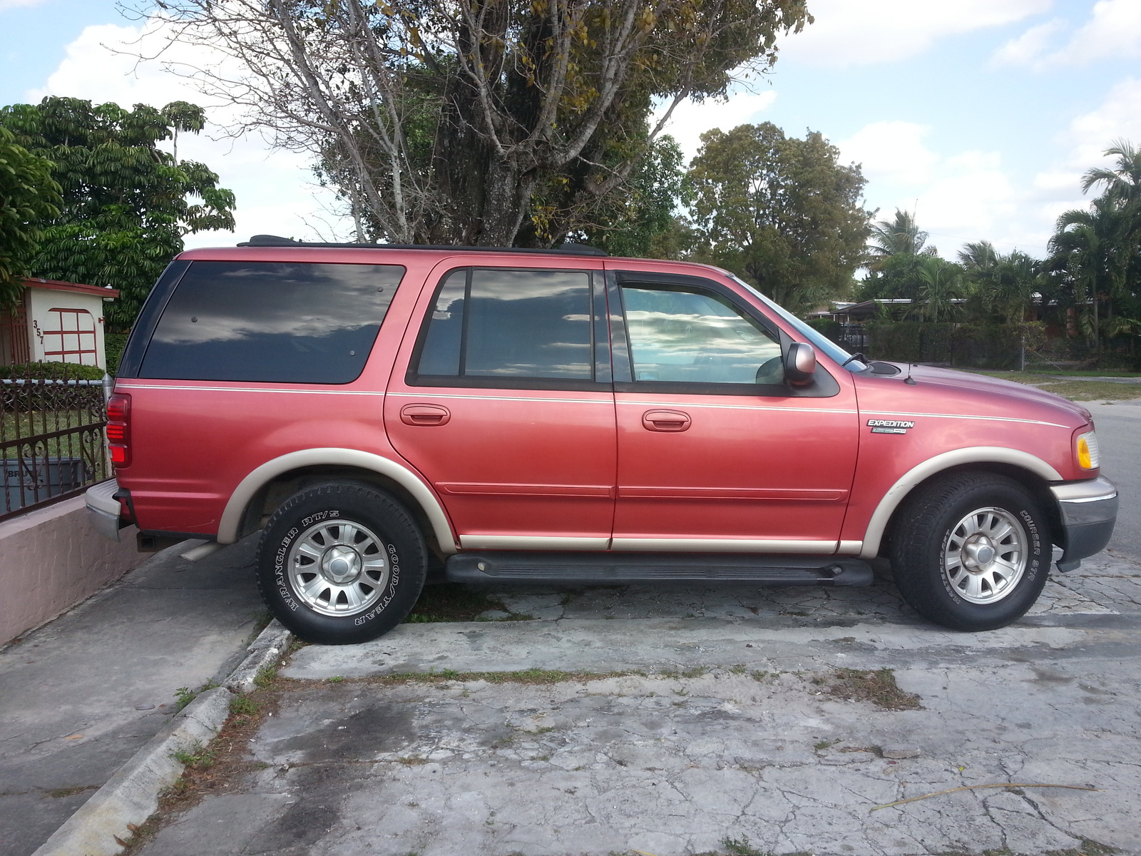 Nc together with 1996 Toyota Rav4 Awd as well 2004 F150 Fuse Box Wiring Harness also Ford Focus 2 0 1996 Specs And Images also Watch. on 2004 ford explorer