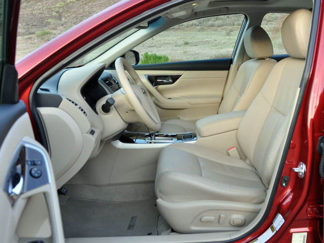 2014 Nissan Altima 2.5 SL, interior, gallery_worthy