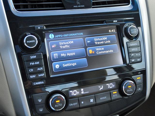 2014 Nissan Altima 2.5 SL NissanConnect screen, interior, gallery_worthy
