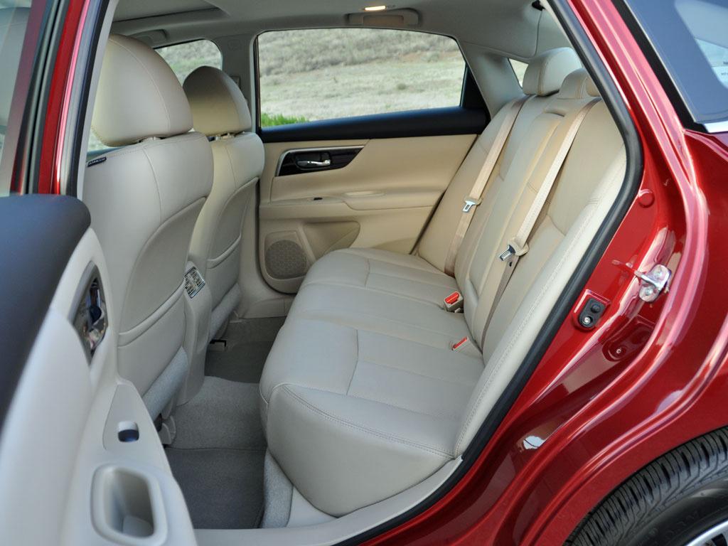 Nissan 2014 Altima Interior