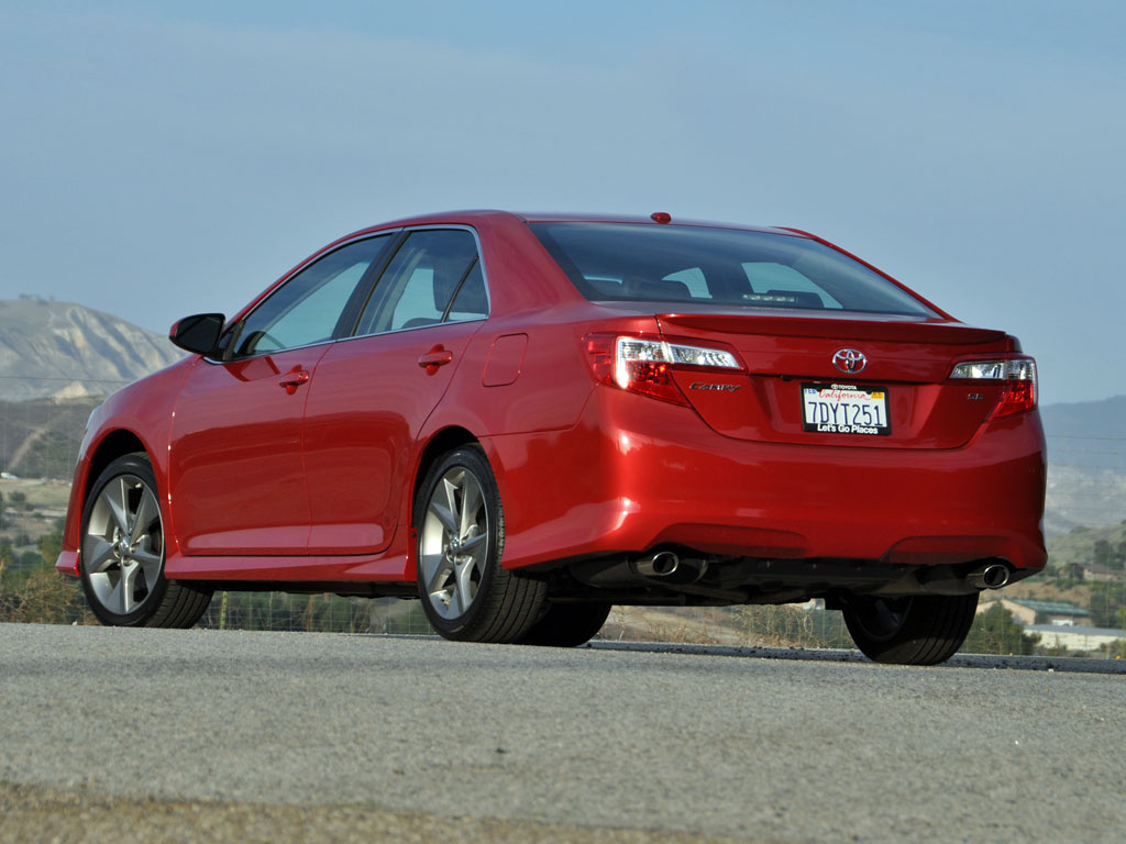 2014 toyota camry test drive review cargurus. Black Bedroom Furniture Sets. Home Design Ideas