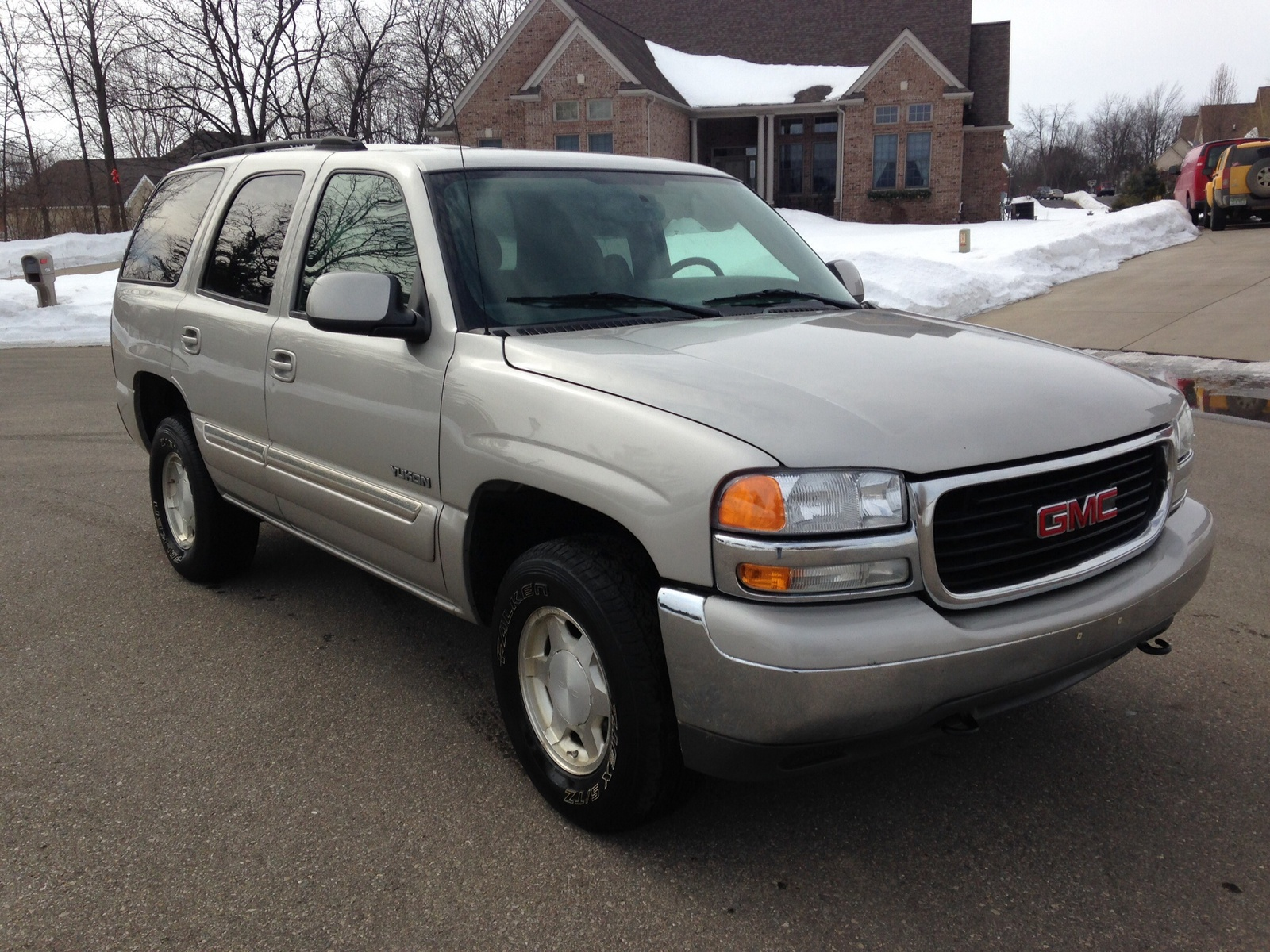 2004 yukon sle vs slt autos post for Motor inn albert lea mn