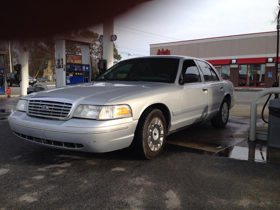 2003 Ford Crown Victoria Pictures Cargurus