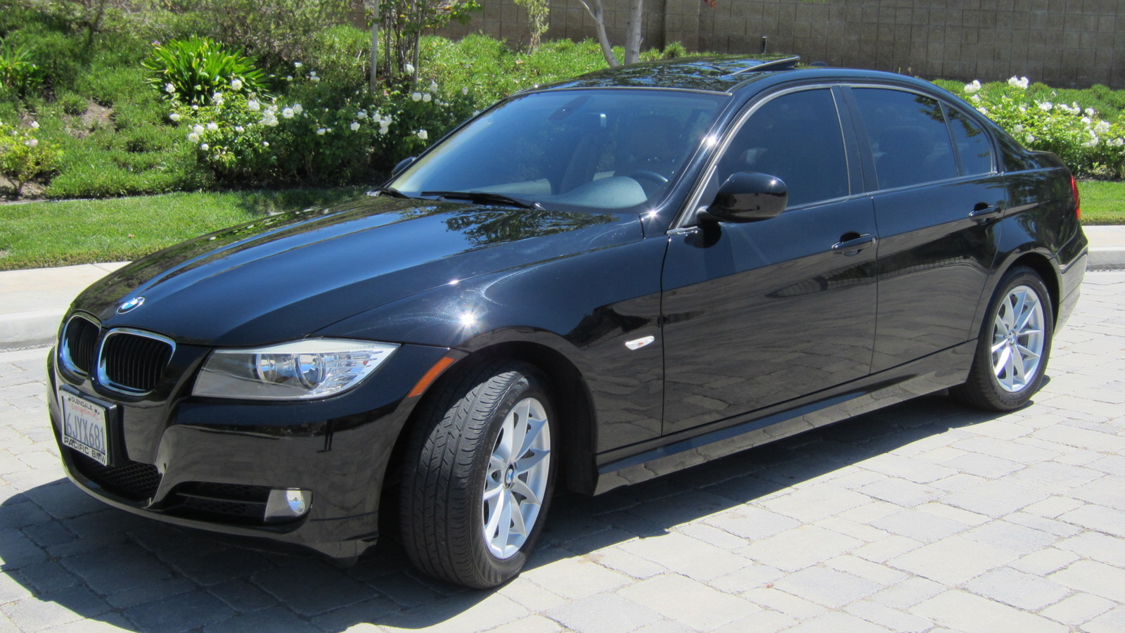 2010 bmw 3 series sedan 328i yahoo autos autos post. Black Bedroom Furniture Sets. Home Design Ideas