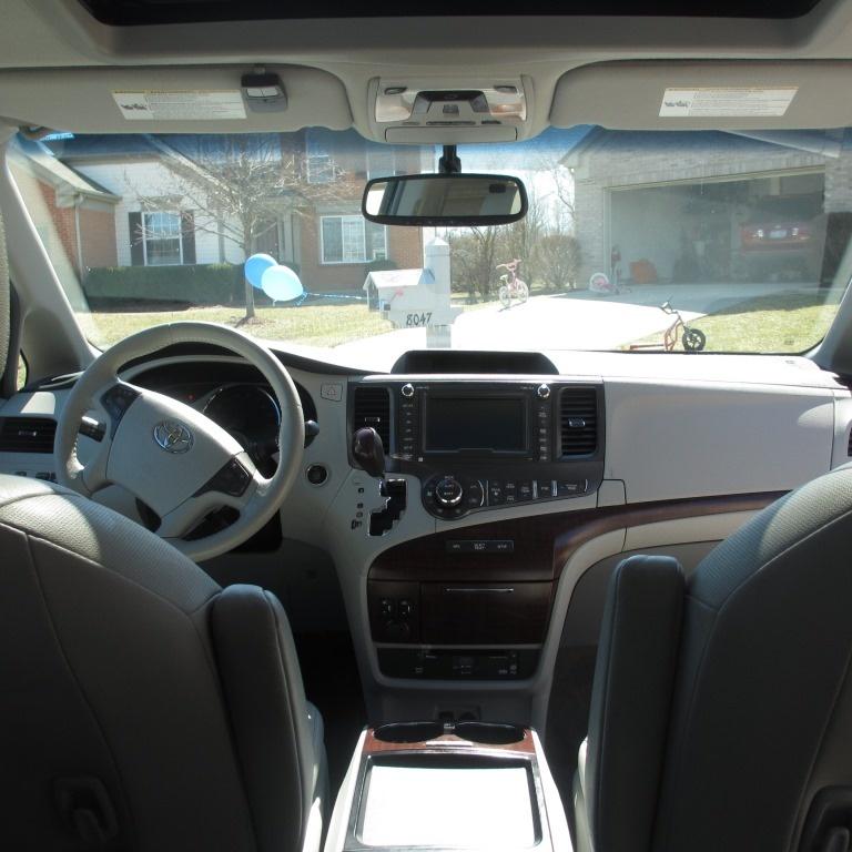Toyota Awd Van: 2011 Toyota Sienna