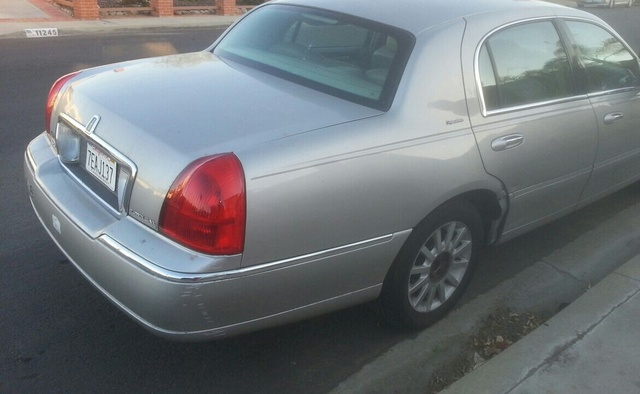 Picture of 2006 Lincoln Town Car Signature, exterior, gallery_worthy