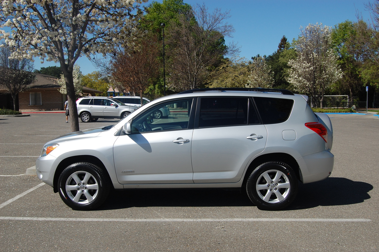 Camera Wiring Additionally Rear View Diagram Likewise 2009 Toyota Rav4 Backup For Free Rav Limited V Awd Pic As Well In Addition Together With