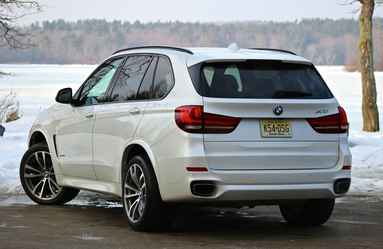 Rear 3/4 of the 2014 BMW X5
