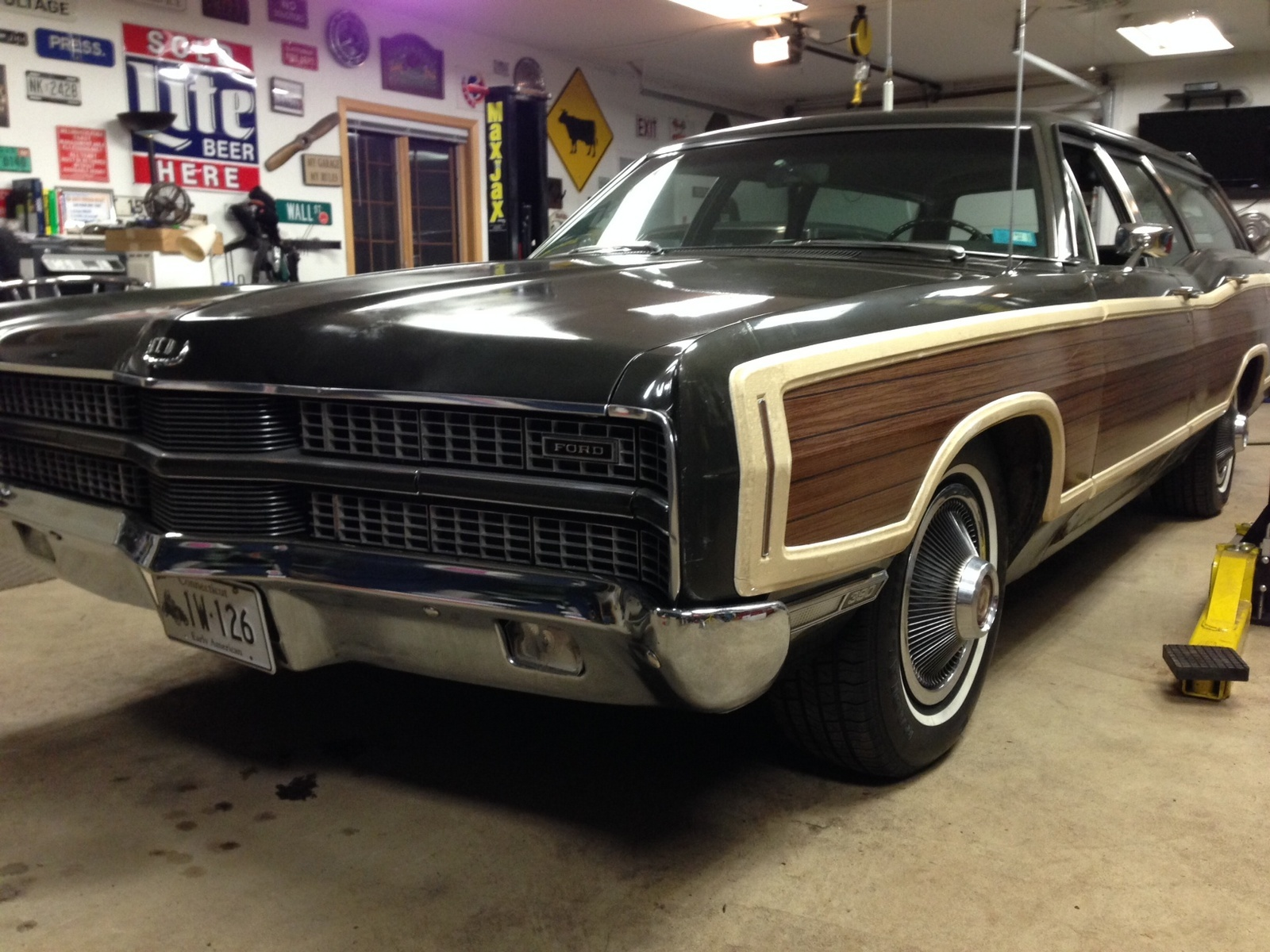 Ford Galaxie Questions I Have A 1969 500xl 1970 Maverick Wiring Diagram 1 People Found This Helpful