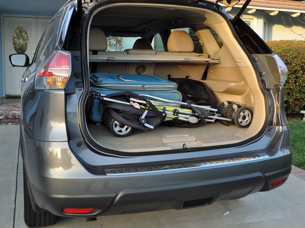 2014 Nissan Rogue SV w/ SL, 2014 Nissan Rogue cargo area, interior, form_and_function
