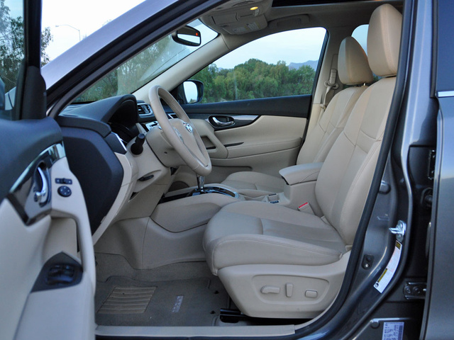 2014 Nissan Rogue SL front seat, interior, gallery_worthy