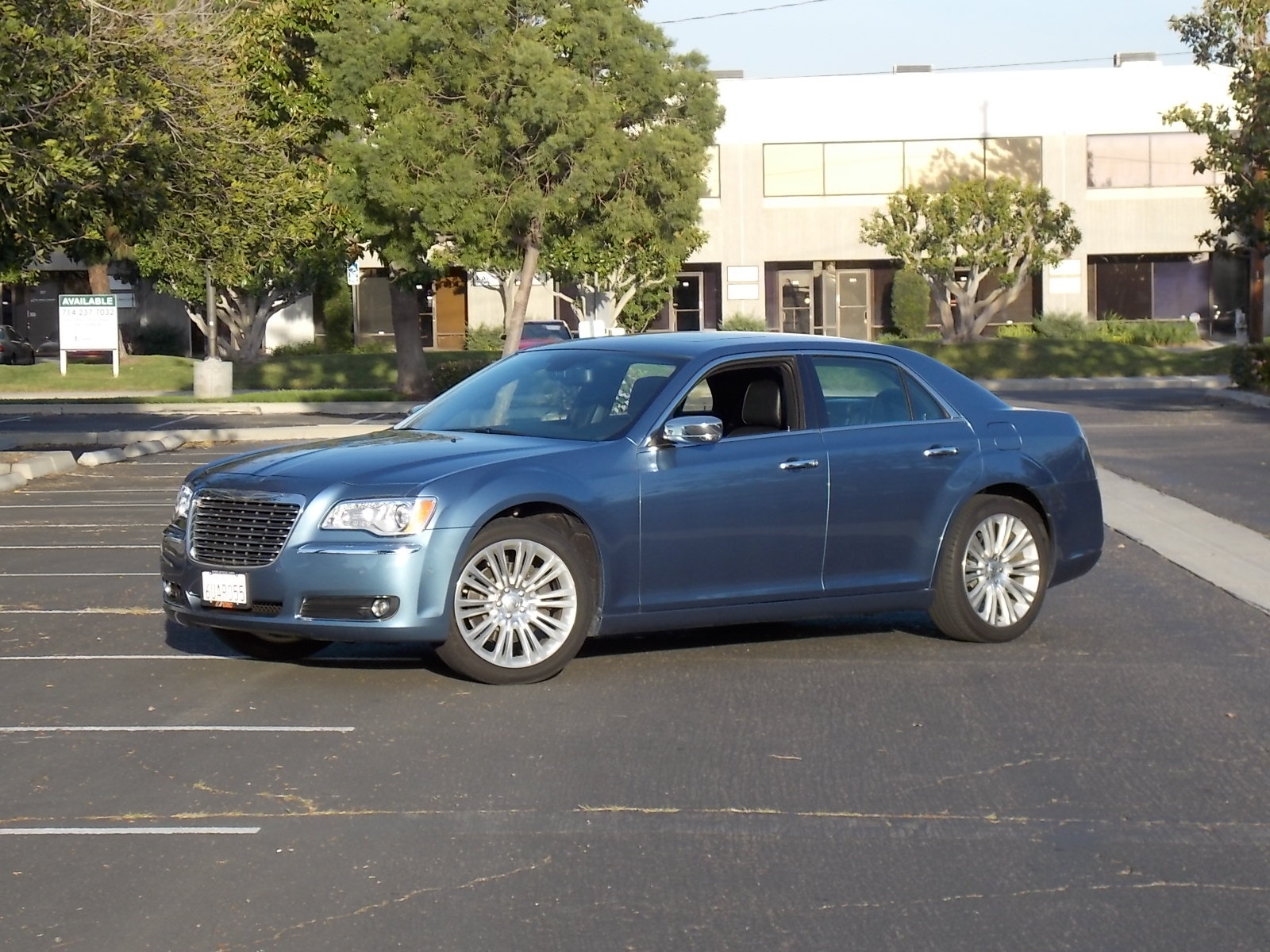 2011 chrysler 300 pictures cargurus. Black Bedroom Furniture Sets. Home Design Ideas