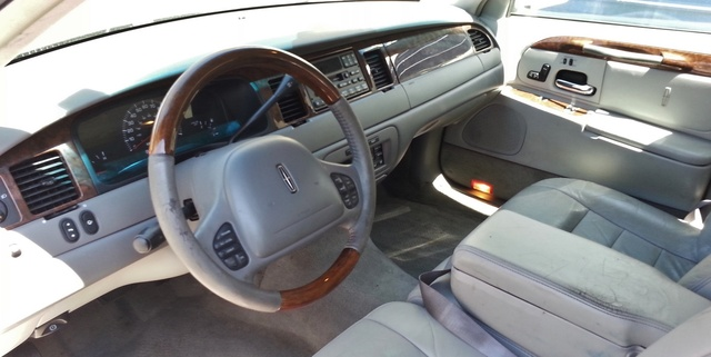 2002 lincoln town car pictures cargurus. Black Bedroom Furniture Sets. Home Design Ideas