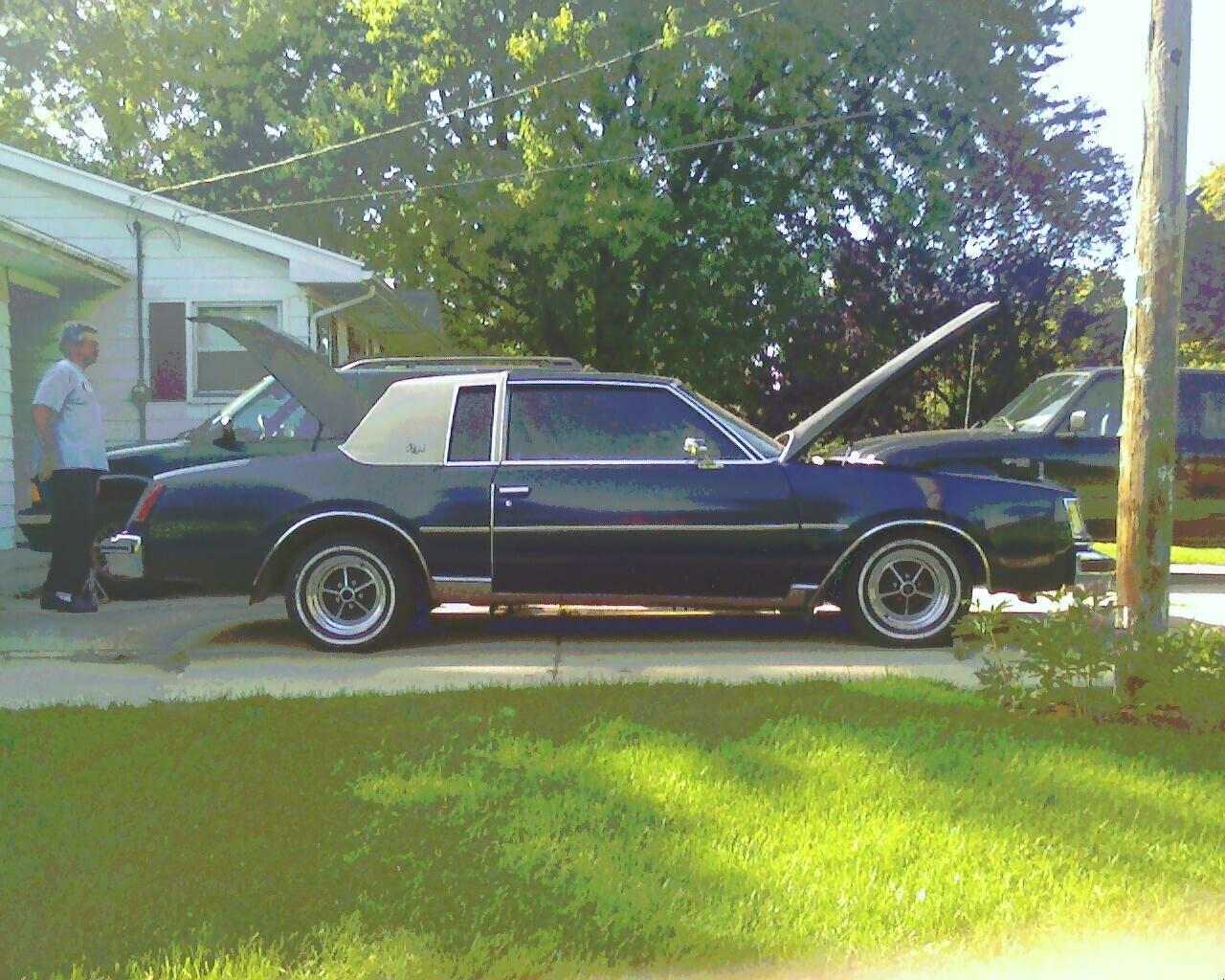 Buick Regal Door Coupe Pic on 1988 Buick Lesabre 2 Door