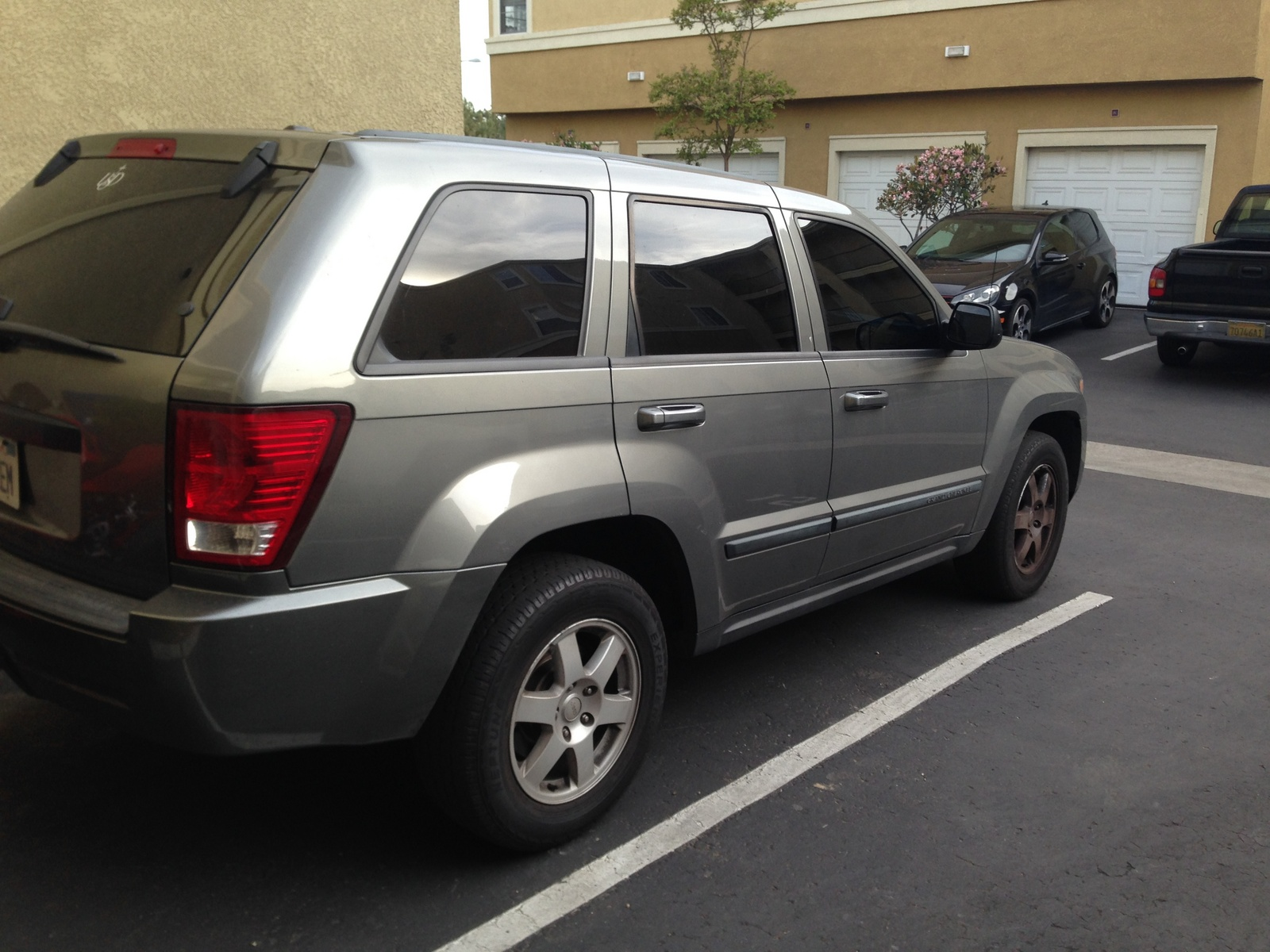 picture of 2008 jeep grand cherokee laredo exterior. Cars Review. Best American Auto & Cars Review