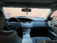Picture of 2010 Toyota Avalon XLS