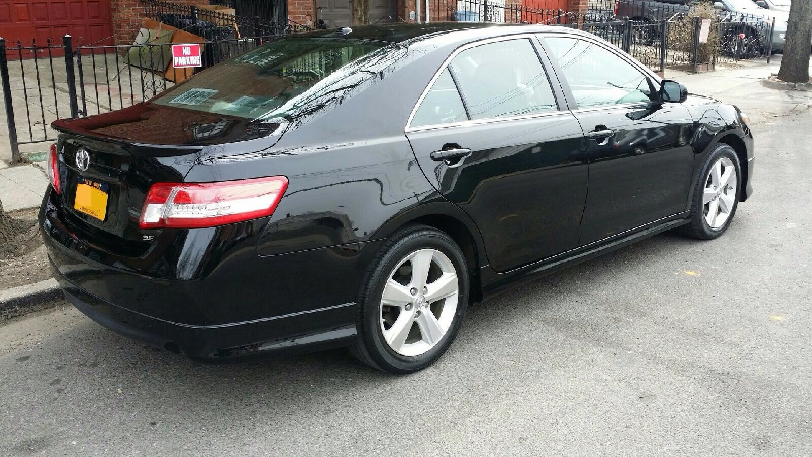 Picture of 2011 Toyota Camry SE, exterior