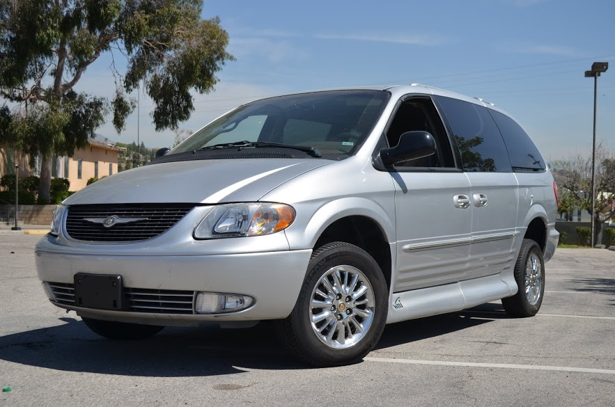 2002 chrysler town country overview cargurus. Black Bedroom Furniture Sets. Home Design Ideas
