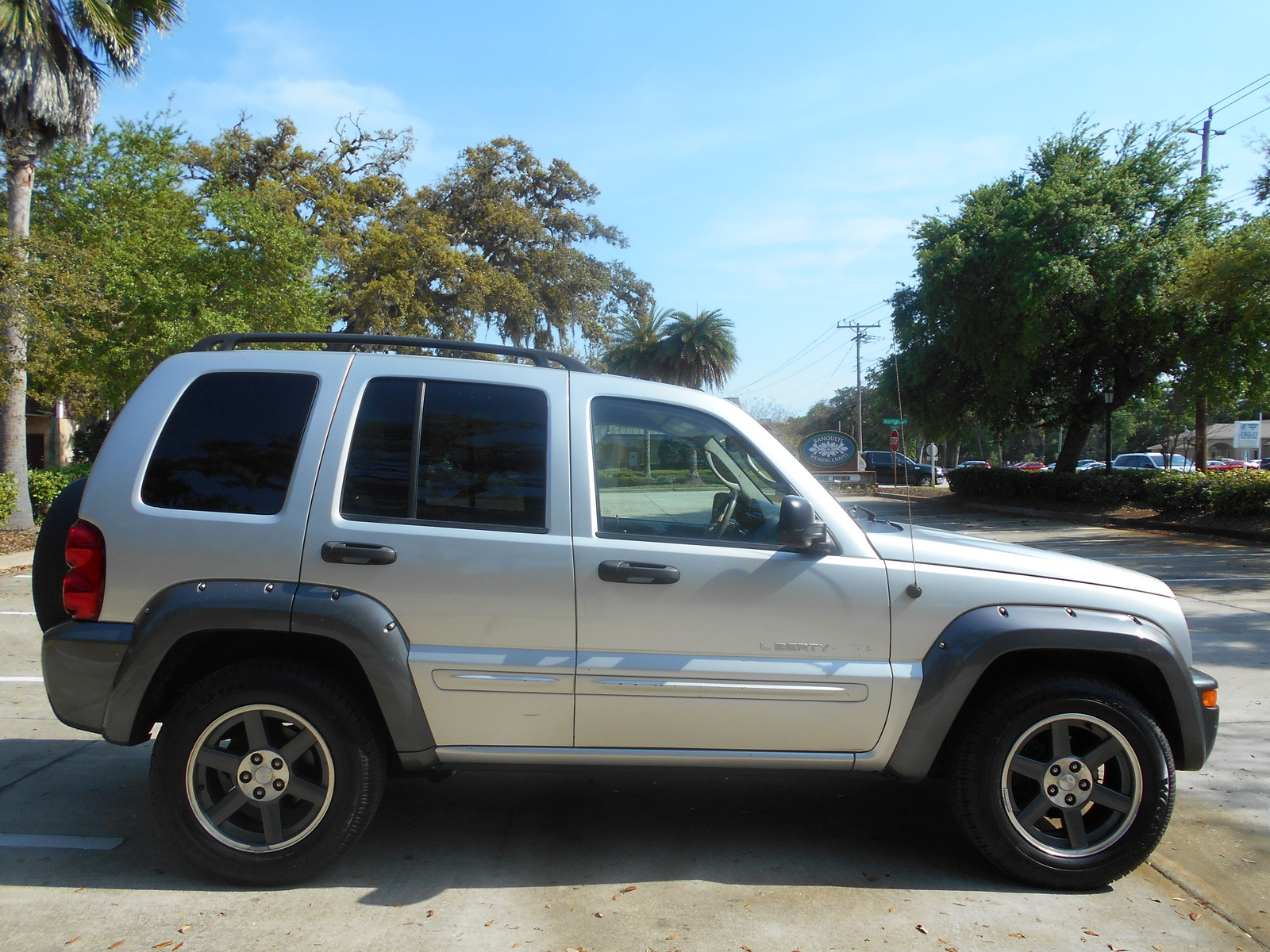 2010 jeep liberty review ratings specs prices and autos post. Black Bedroom Furniture Sets. Home Design Ideas