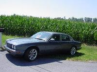 2001 Jaguar XJR Picture Gallery