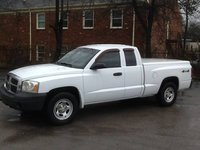 Picture of 2006 Dodge Dakota ST 2dr Club Cab 4WD SB, exterior, gallery_worthy