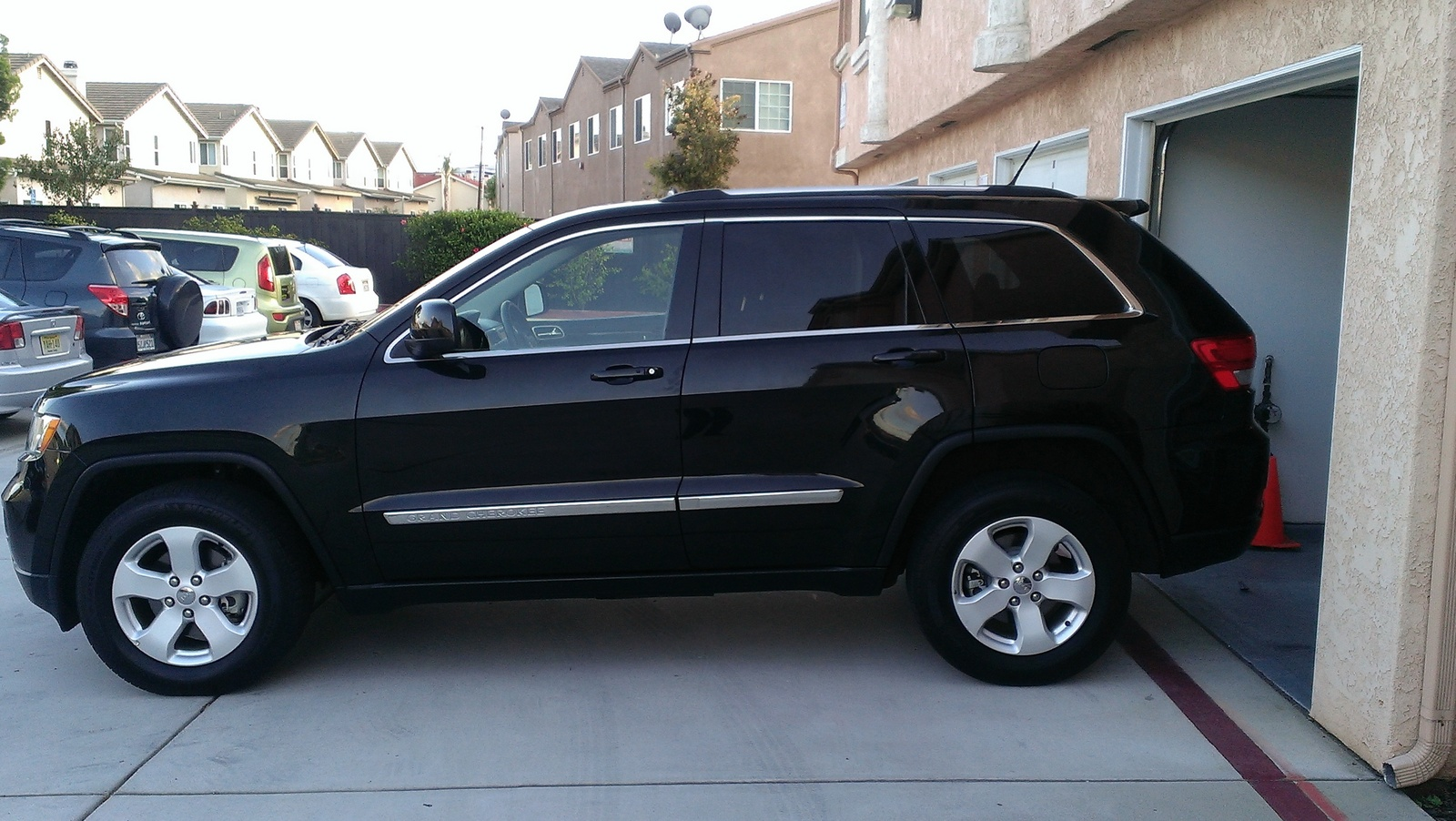 picture of 2012 jeep grand cherokee laredo exterior. Cars Review. Best American Auto & Cars Review