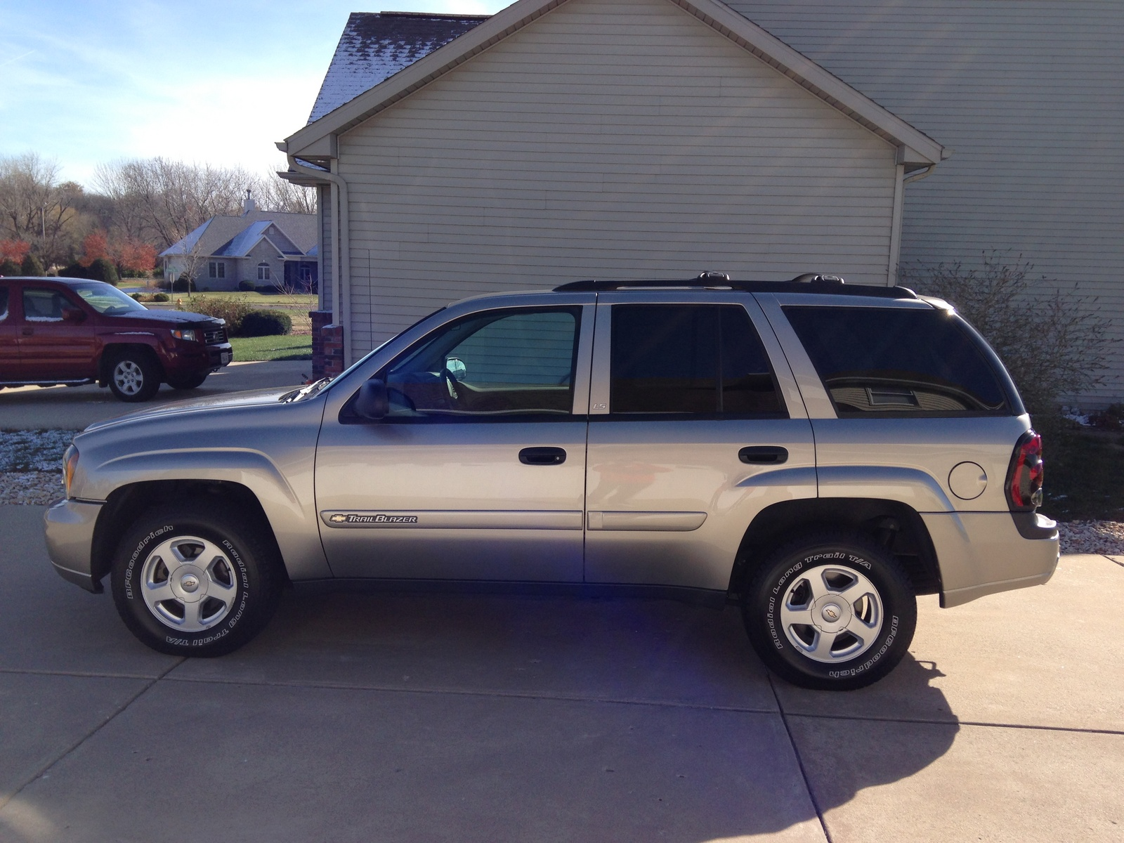 picture of 2002 chevrolet trailblazer ls exterior. Cars Review. Best American Auto & Cars Review