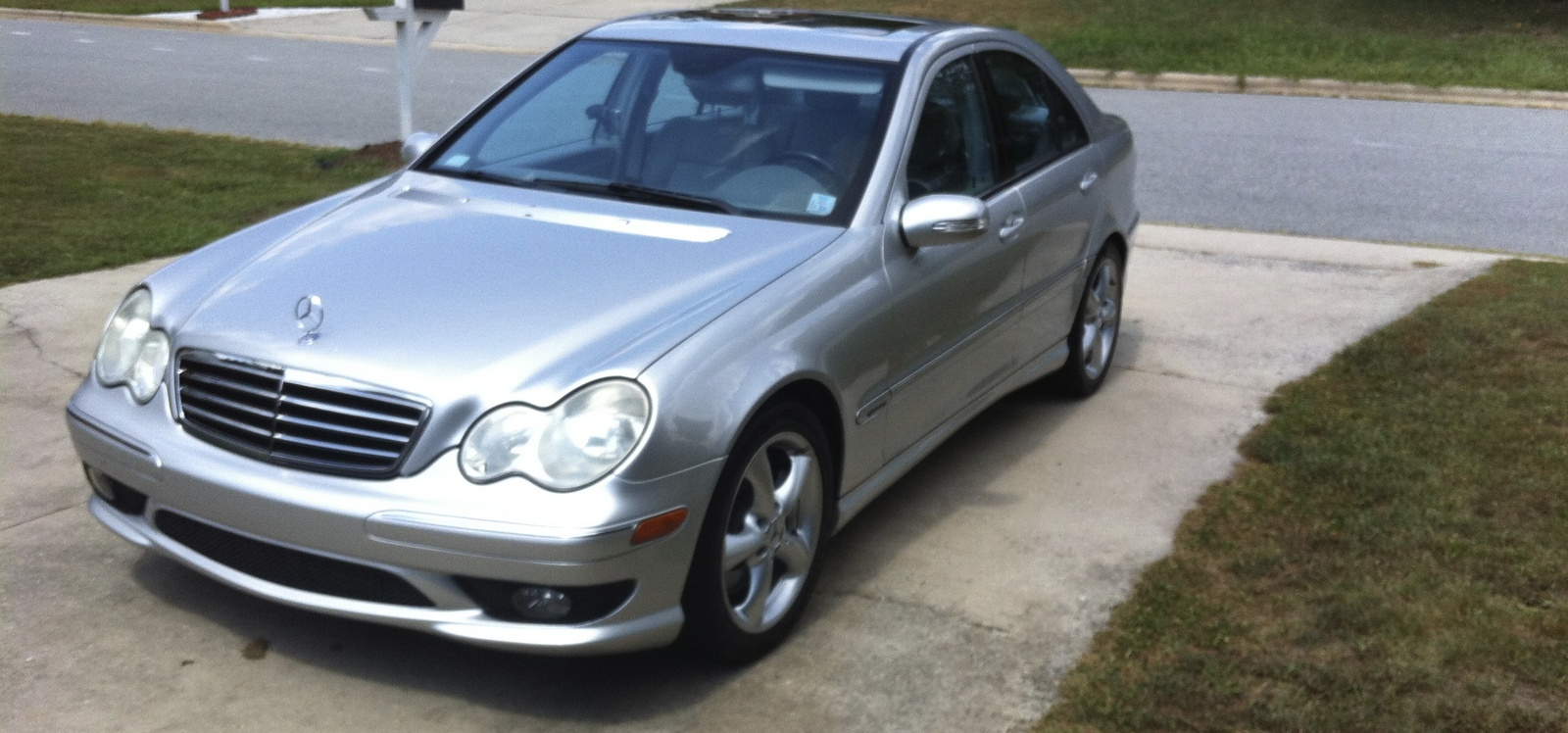 2005 mercedes benz c class overview cargurus for 2005 mercedes benz c class